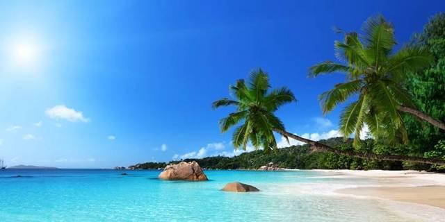Wisata Pantai Uluwatu.jpg